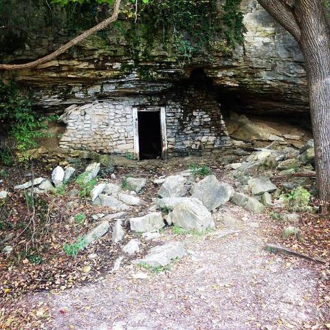 rocheporthobbithole